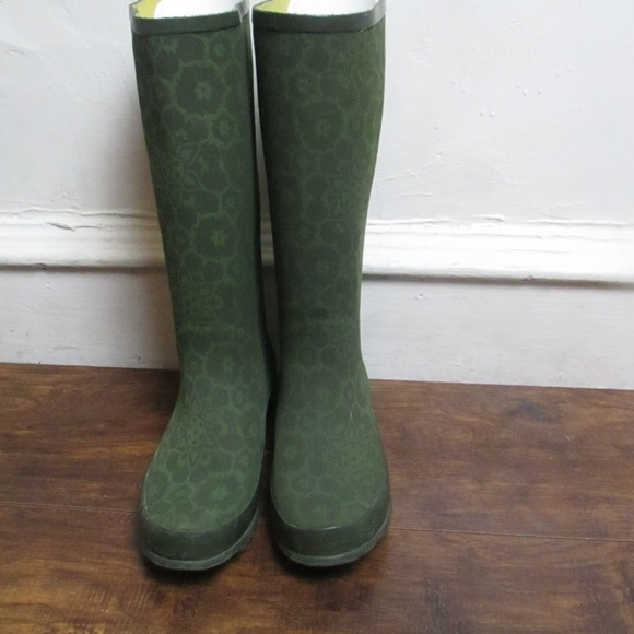 b49ebf8e31e L.L. Bean caterpillar wellies rain boots